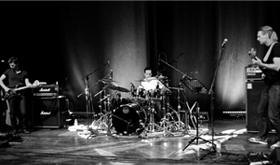 a very intimate Parlor concert with: NRJ-Nick D'Virgilio, Randy McStine, Jonas Reingold (November 14, 2014)